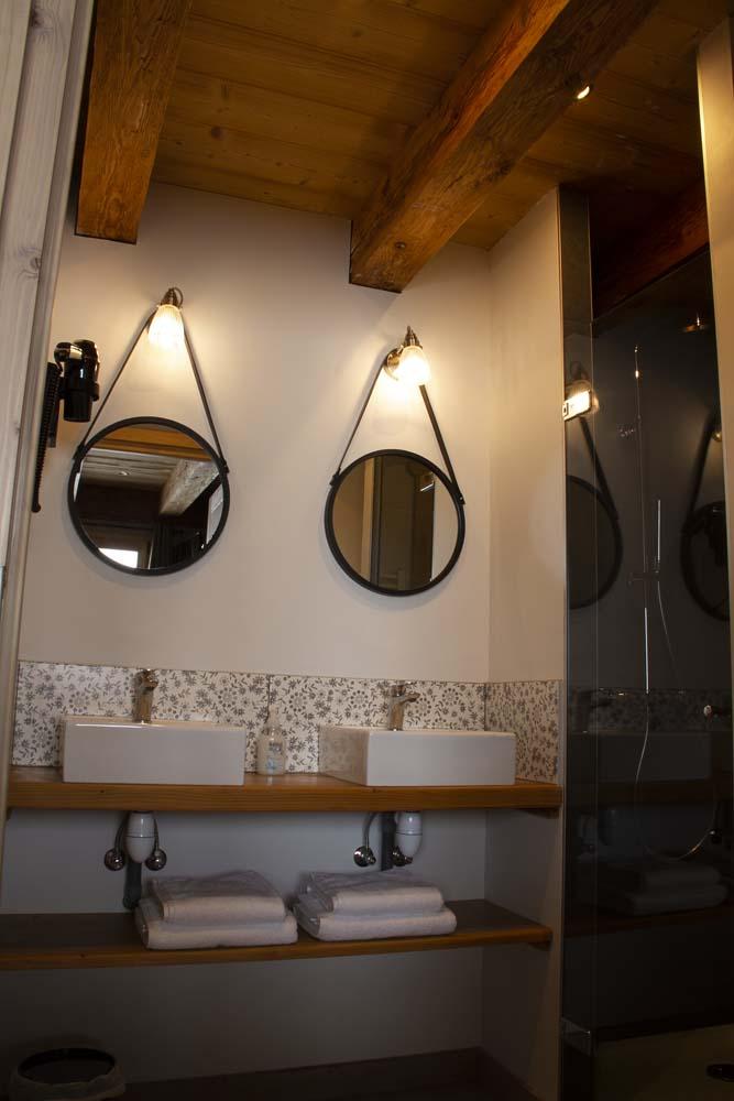 Salle de bain - la tête de l'Ars - maison d'hôtes - chambre d'hôtes - la ferme d'en haut - Saint-Jean-de-Sixt - la Clusaz - le Grand-Bornand
